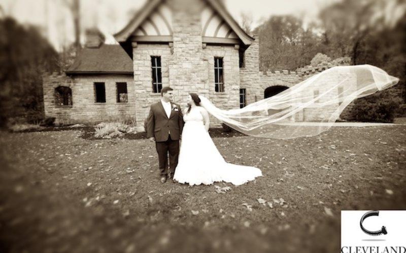 Squires castle cleveland Ohio wedding for Jennifer & Ryan
